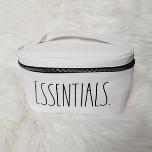 ⬇️ Rae Dunn ESSENTIALS Cosmetic Pouch